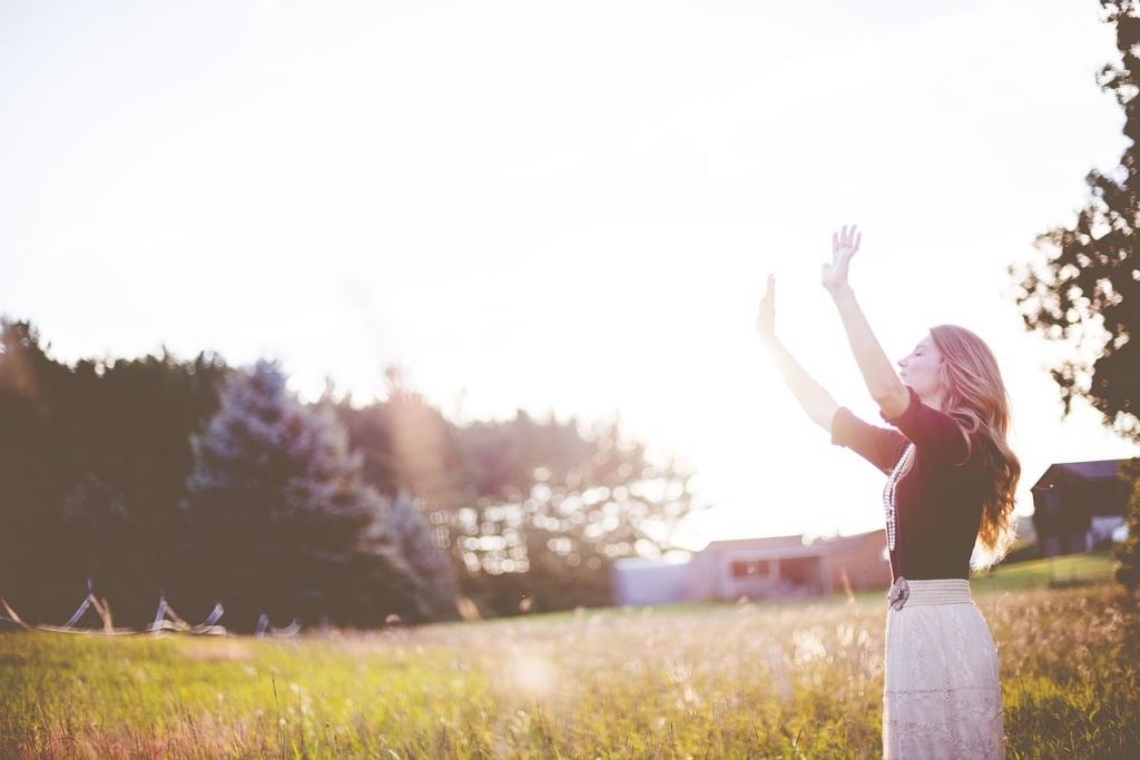 Medita unos minutos al día y notarás una mayor tranquilidad y concentración.