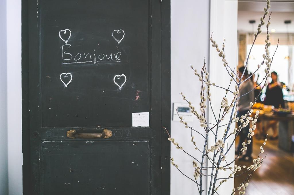 Algunos galicismos ya están asentados, como atelier, prêt-à-porter o savoir faire.